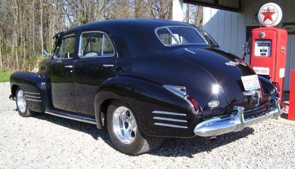 41-Cadillac-Main